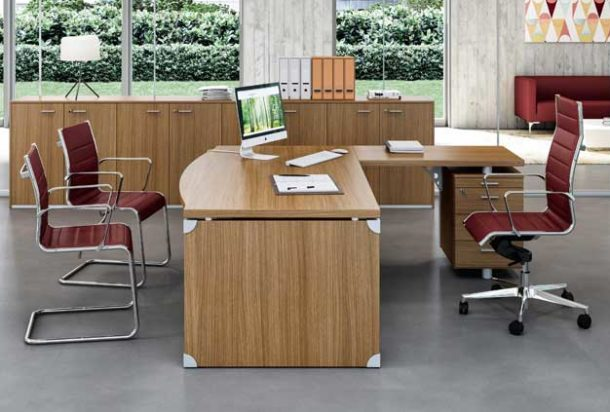 Scrivania direzionale Quadrifoglio gamba stop x time work Adv arredamentI ufficio Torino